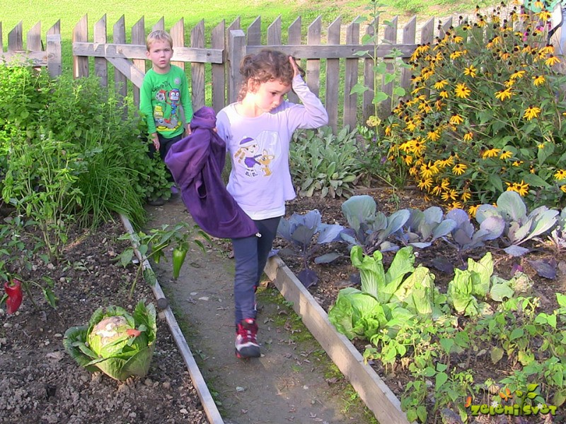 Otroci in vrtnarjenje
