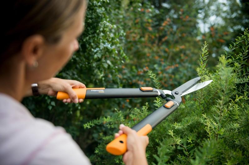 Olajšajte si delo v vrtu in kampiranju