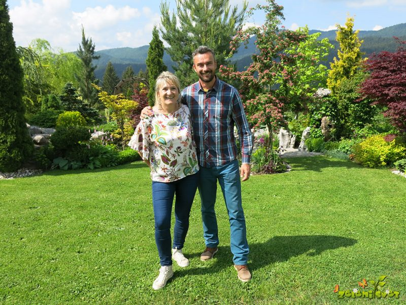 Predstavljamo vrt Lidije in Petra Knavs iz Loškega potoka