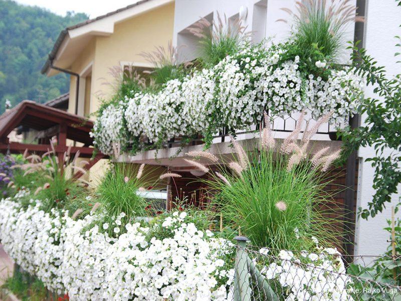 Čudoviti balkoni Rajka Vuge v Mengšu