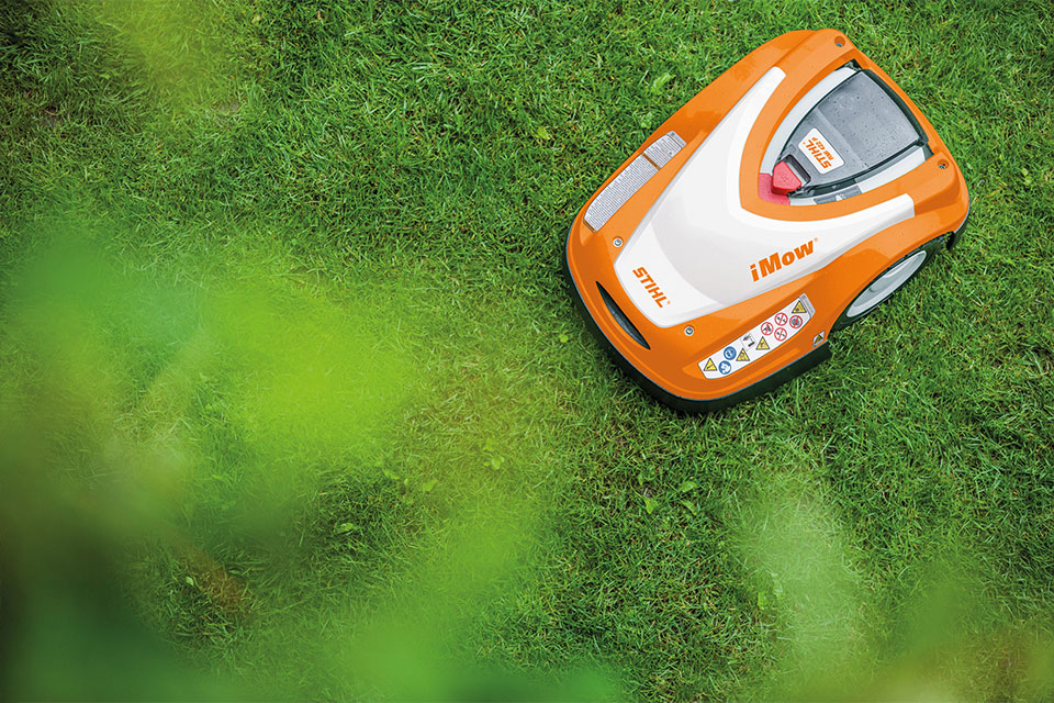 robotska kosilnica za travo