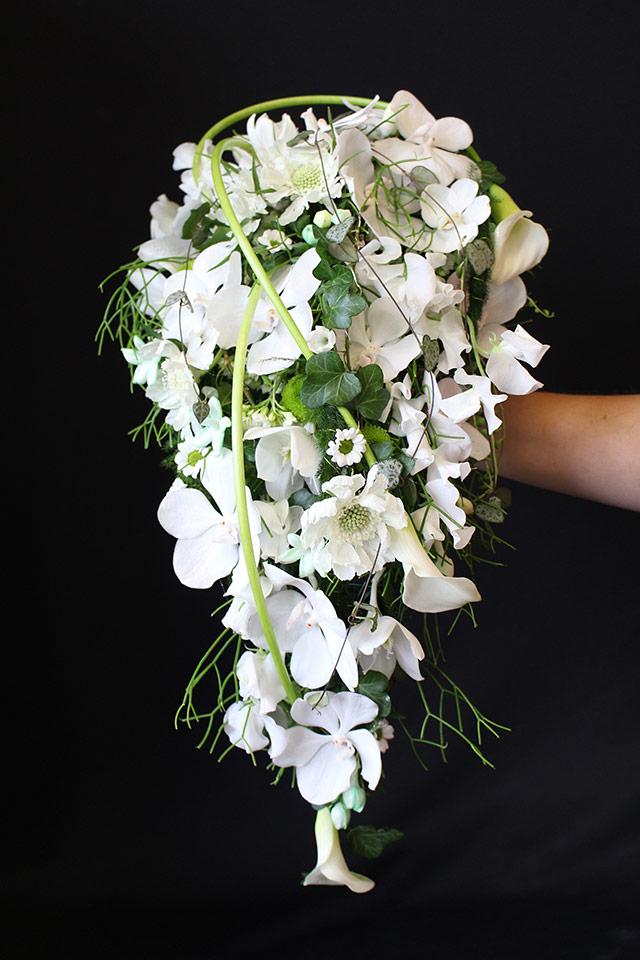 Prevešajoč poročni šopek