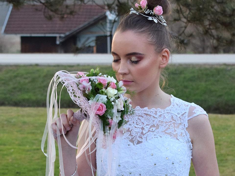 Poročni šopek in izbira cvetja za poroko