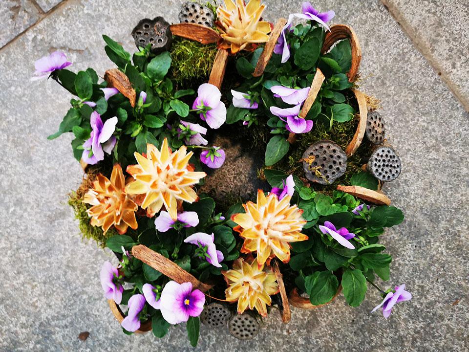 nagrobna dekoracija cvetje