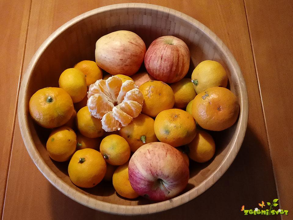 mandarine jabolka