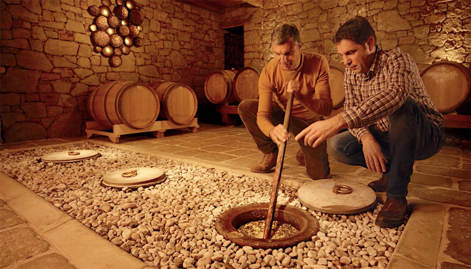 vino v amforah