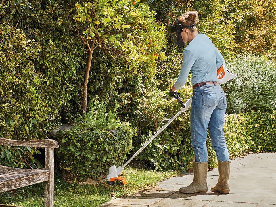 Prava kosa za košnjo manjšega vrta, sadovnjaka, vinograda ter večjih površin